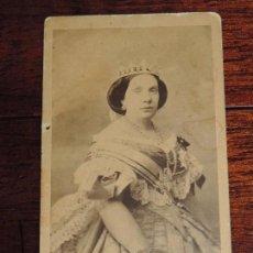 Fotografía antigua: FOTOGRAFIA DE LA REINA ISABEL II, CARTE DE VISITE, ALBUMINA, M. DE HEBERT (1819 - 1891), RETRATISTA . Lote 163867050