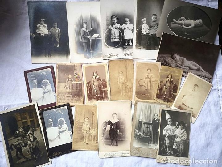 Fotografía antigua: LOTE DE 61 FOTOGRAFÍAS DE NIÑOS. DIFERENTES FOTÓGRAFOS. BARCELONA. PRINC. S. XX - Foto 3 - 168076724