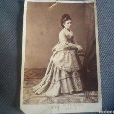 Fotografía antigua: CABINET SEÑORA ELEGANTE C.1870 TRAJE MODA C.OTERO MADRID. Lote 168493992
