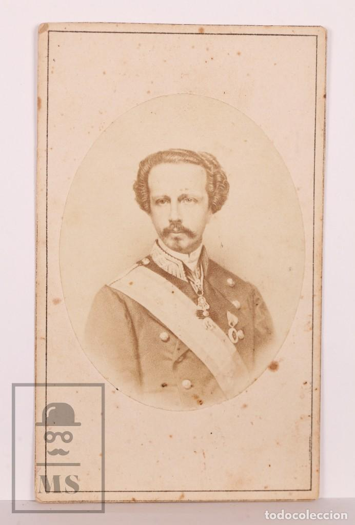 Fotografía antigua: Antigua Tarjeta de Visita / CDV - Francisco de Asís de Borbón, Consorte de Isabel II - Siglo XIX - Foto 2 - 170064340