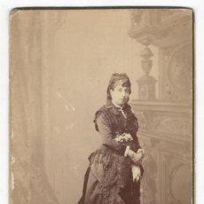 Fotografía antigua: FOTOGRAFIA SEÑORA DE EPOCA, APARECE EN LA PELICULA 'ALTAMIRA' DE ANTONIO BANDERAS. Lote 171268184