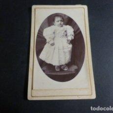 Fotografía antigua: VALENCIA DE ALCANTARA CACERES J. ENRIQUEZ MIMOSO FOTOGRAFO RETRATO DE NIÑA CARTE VISITE H 1875 . Lote 171882958
