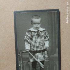 Fotografía antigua: FOTOGRAFÍA ANTIGUA.NIÑO.CARTA/CARTE DE VISITA.FOTÓGRAFO KARL H GEORG.ALEMANIA.. Lote 174080665
