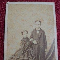 Fotografía antigua: FOTOGRAFIA NIÑOS HERMANOS M DE HEBERT FOTOGRAFO RETRATISTA DE LA SS.MM. SIGLO XIX CON DEDICATORIA. Lote 174433673