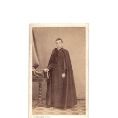 Fotografía antigua: CARTES DE VISITE. ESTUDIO FOTOGRÁFICO. J. POUJADE. CIUDAD REAL. SACERDOTE. CURA.. Lote 175809618