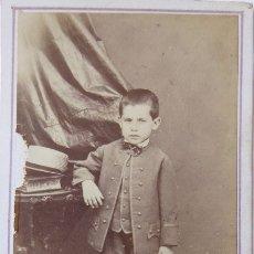 Fotografía antigua: F-4183. CARTE DE VISITE NIÑO BARCELONÉS. FOTOGRAFO JUAN MARTÍ. BARCELONA. CIRCA 1870. Lote 175900513