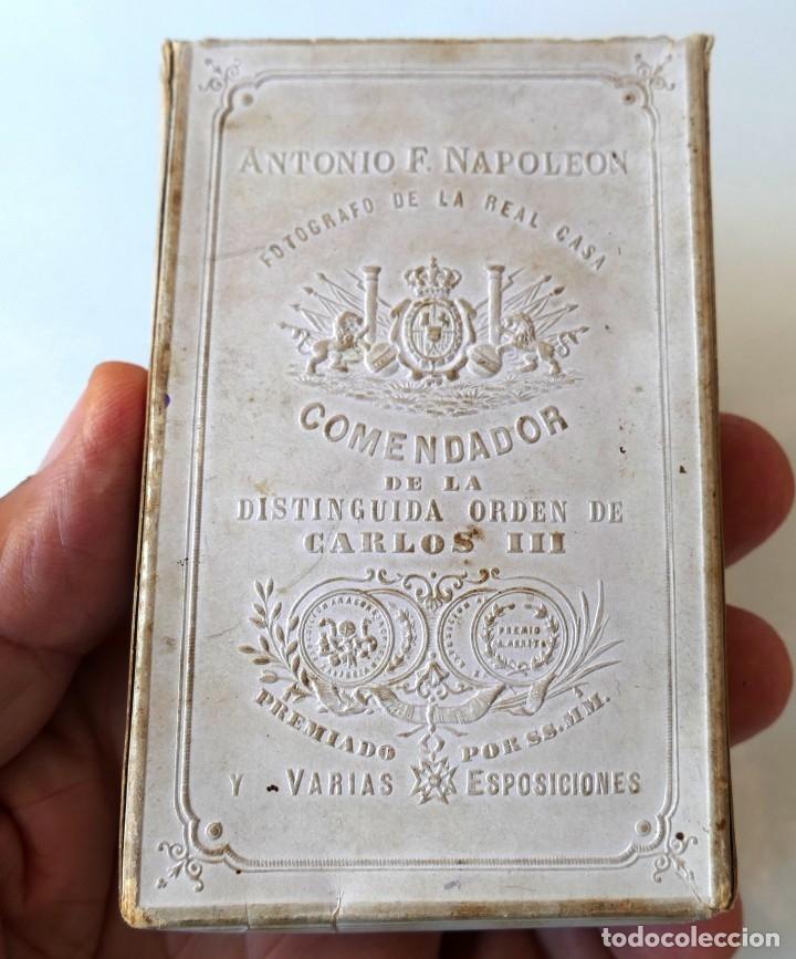 Fotografía antigua: ARMADA ESPAÑOLA. CARTE DE VISITA (CDV) DE UN OFICIAL, MÁS CAJA PARA GUARDAR CDV´s. SIGLO XIX - Foto 8 - 177399995