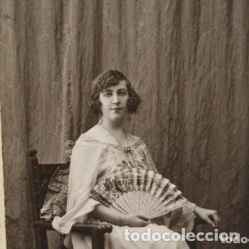Fotografía antigua: Preciosa fotografía de 1923 Chica posando con Abanico. - Foto 3 - 178116932