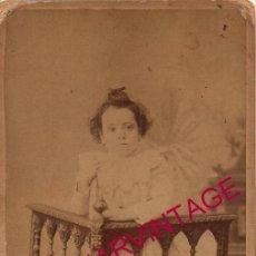 Photographie ancienne: SALAMANCA, SIGLO XIX, CDV DE UNA NIÑA CON UN PERRO, FOT.OLIVAN, 80X165MM. Lote 182298682