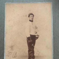 Fotografía antigua: ANTIGUA Y RARA FOTOGRAFÍA ESGRIMISTA ESGRIMA FOTOGRAFÍA HERMANN FINAL SIGLO XIX PARIS. Lote 182742992