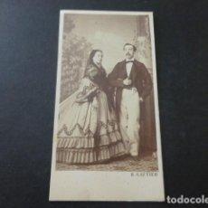Fotografía antigua: RETRATO DE MATRIMONIO CARTE DE VISITE MADRID H. GAUTIER FOTOGRAFO HACIA 1865. Lote 183703092