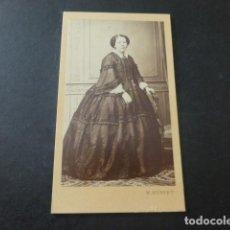 Fotografía antigua: RETRATO DE DAMA CARTE DE VISITE MADRID HEBERT FOTOGRAFO HACIA 1865. Lote 183703673