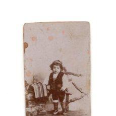 Fotografía antigua: CARTES DE VISITE. ESTUDIO FOTOGRÁFICO. DESCONOCIDO. NIÑO CON TRAJE BATURRO. ARAGÓN.. Lote 190278647