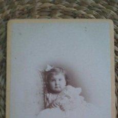 Fotografía antigua: CDV. RETRATO DE UNA NIÑA. 1873. STRASBOURG. Lote 195410020