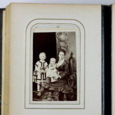 Fotografía antigua: ERNEST MARSHALL Y FAMILIA. ÁLBUM CON 24 CDV. DE FOTÓGRAFOS DE BARCELONA Y INGLATERRA.. Lote 197239915