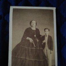 Fotografía antigua: SEÑORA DE PAULA DE CABRERA Y DE RAMÍREZ DE ARELLANO Y SU HIJO ....DE CERVERA. MADRID.. Lote 203929715