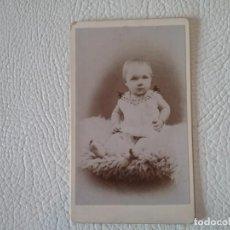 Fotografía antigua: ANTIGUA FOTOGRAFÍA BEBE SIGLO XIX. Lote 204395055