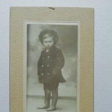 Fotografía antigua: NIÑO CON BOTAS Y SOMBRERO. ANTHONY'S.. Lote 206986867