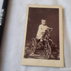 Fotografía antigua: FOTOGRAFÍA DE UN NIÑO EN UN TRICICLO CON CABALLO. 1876. FOTÓGRAFO A. GARCÍA, VALENCIA.. Lote 209006415