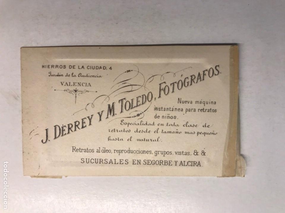 Fotografía antigua: CDV, Carte de Visite, FOTOGRAFO: J. DERREY Y M. TOLEDO, Valencia (fin Siglo XIX) Joven .. - Foto 2 - 213430253