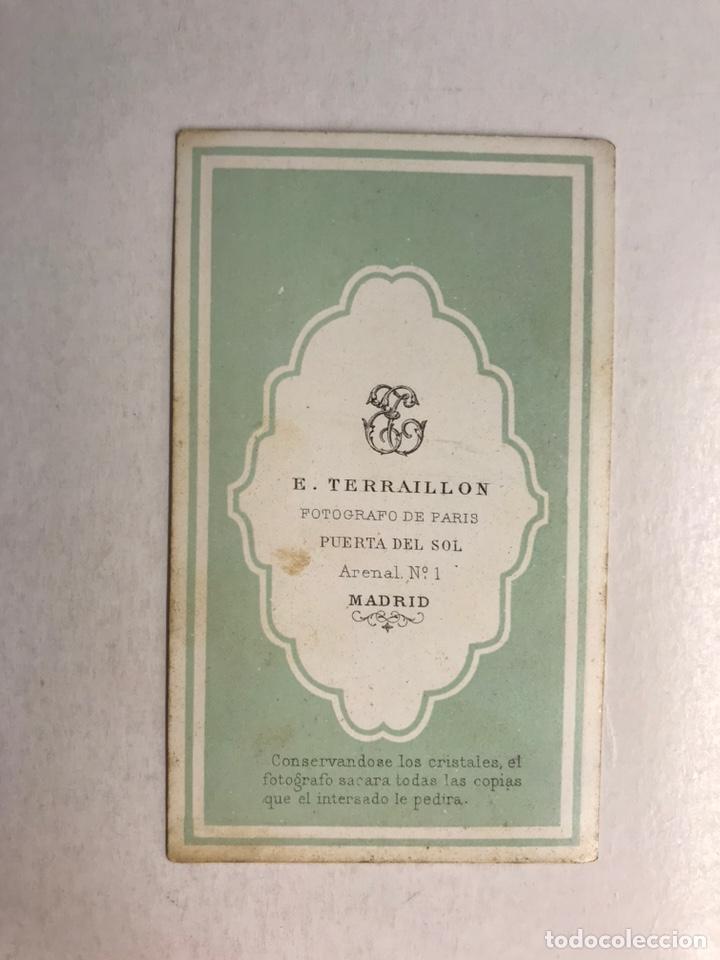 Fotografía antigua: CDV Carte de Visite, E. TERRAILLON, fotografo de Paris. MADRID Dama de la Corte madrileña (h.1850?) - Foto 2 - 213431216