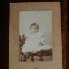 Fotografía antigua: FOTOGRAFIA ALBUMINA TIPO CDV, NIÑO, FOTO CIFUENTES, MADRID, MIDE 10,5 X 6 CMS. APROX.. Lote 221494725