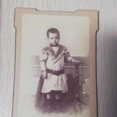 Fotografía antigua: FOTOGRAFIA ALBUMINA TIPO CDV, NIÑO, FOTO H. DIEGUEZ, MIDE 10,5 X 6 CMS. APROX.. Lote 221495255