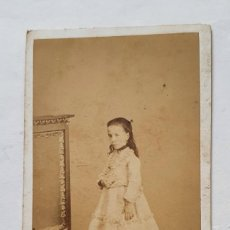 Fotografía antigua: CARTA DE VISITA FOTOGRAFIA BISBALENSE DE JOSE VILA Y CIA. LA BISBAL EN BUEN ESTADO. Lote 221839678