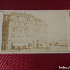 Fotografía antigua: FOTOGRAFÍA ALBÚMINA VISTA DEL GRAN HOTEL CENTRAL. LISBOA ROCCCHINI FOTÓGRAFO.. Lote 232323680