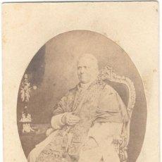 Fotografía antigua: FOTOGRAFÍA CDV - CARTE DE VISITE - PAPA DE LA IGLESÍA CATÓLICA PÍO IX - PÍO NONO - CIRCA 1870. Lote 235596275