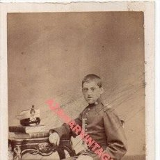 Fotografía antigua: MADRID, SIGLO XIX, PRECIOSA CDV DE UN MILITAR, FOT A.ALONSO MARTINEZ, 60X105MM. Lote 257517050