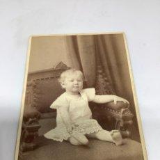 Fotografía antigua: CARTE DE VISITE BEBÉ CDV (6,5X10,5 CM) . ROBERT ROESLER STOCKHOLM H 1880. Lote 296739073