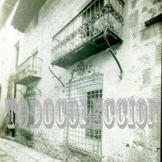 Fotografía antigua: + ALBARRACIN TERUEL CASA SOLARIEGA CRISTAL POSITIVO, HACIA 1920 ORIGINAL DIAPOSITIVA. Lote 27613345