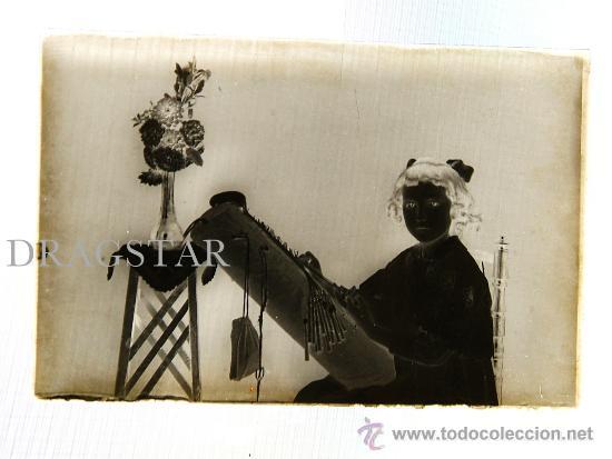 UNA VERDADERA JOYA NIÑA DE CASTELLON HACIENDO BOLILLOS TAMAÑO 10X15 (Fotografía Antigua - Diapositivas)