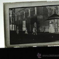 Fotografía antigua: PLACA FOTOGRAFICA ORIGINAL CRISTAL POSADA FERROCARRIL PUERTA DEL SOL CASTELLON TAMAÑO 6X9. Lote 36417980