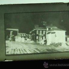 Fotografía antigua: PLACA FOTOGRAFICA ORIGINAL CRISTAL CARGA DE LA NARANJA PLAYA GRAO DE CASTELLON TAMAÑO 6X9A. Lote 36418122