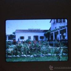 Fotografia antica: MALAGA AEROPUERTO ANTIGUA DIAPOSITIVA POR VIAJERO AMERICANO. Lote 45888736