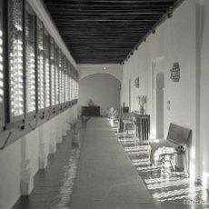 Fotografía antigua: NEGATIVO ESPAÑA GUADALUPE PARADOR CÁCERES 1970 KODAK 35MM SPAIN. Lote 57714544