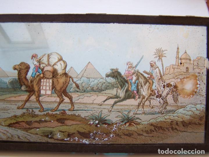Fotografía antigua: Placa de cristal coloreada para proyección, con escenas consecutivas con piramides. Principios S. XX - Foto 3 - 62274544