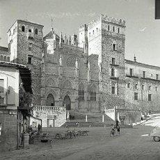 Fotografía antigua: NEGATIVO ESPAÑA CÁCERES GUADALUPE MONASTERIO 1970 KODAK 35MM NEGATIVE SPAIN PHOTO FOTO. Lote 76074467