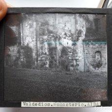 Fotografía antigua: ANTIGUA DIAPOSITIVA DEL MONASTERIO DE VALDEDIOS, ASTURIAS. AÑOS 30. Lote 93623365