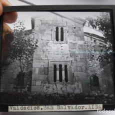 Fotografía antigua: ANTIGUA DIAPOSITIVA DEL MONASTERIO E VALDEDIOS, ASTURIAS. AÑOS 30. Lote 93623395