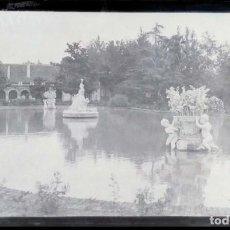 Fotografía antigua: AÑO 1926 - JARDINES PALACIO DE ARANJUEZ, MADRID - NEGATIVO DE FOTOGRAFÍA - 15 X 9 CMS. Lote 102114667