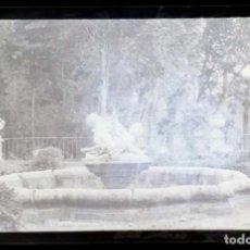 Fotografía antigua: AÑO 1926 - JARDINES PALACIO DE ARANJUEZ, MADRID - NEGATIVO DE FOTOGRAFÍA - 15 X 9 CMS. Lote 102114775