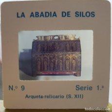 Fotografía antigua: == D28 - DIAPOSITIVA - LA ABADIA DE SILOS - ARQUETA RELICARIO. Lote 120048987