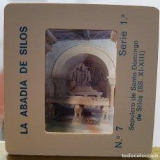 Fotografía antigua: == D29 - DIAPOSITIVA - LA ABADIA DE SILOS - SEPULCRO DE SANTO DOMINGO DE SILOS. Lote 120049119