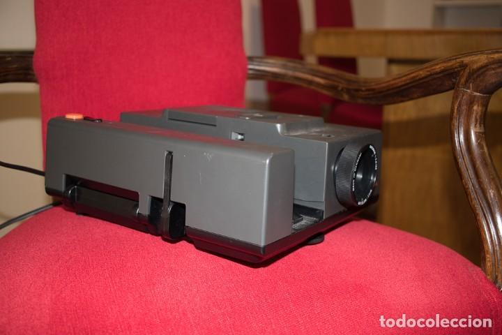 Fotografía antigua: Proyector de diapositivas marca Reflecta Diamator A - Foto 2 - 139256002