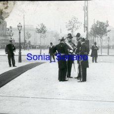 Fotografía antigua: CRISTIAN DE SUECIA? EN BARCELONA. DIAPOSITIVA - PRINCIPIO DE 1900. Lote 143910042
