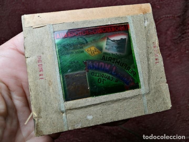 Fotografía antigua: diapositiva cristal publicidad salas de cine.perfumeria fotos j.mora villanueva y geltru 1942-REF-ML - Foto 3 - 149222326