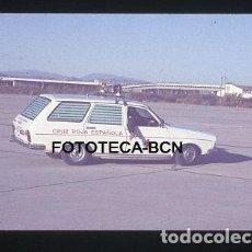 Fotografía antigua: OPERACION ICARO 80 AEROPUERTO EL PRAT BARCELONA AMBULANCIA CRUZ ROJA SIMULACRO CATASTROFE AÑO 1980. Lote 149463978